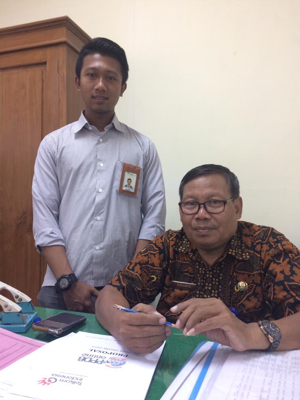 bersama dengan Kasi Bidang SMP Pak Sugiharto