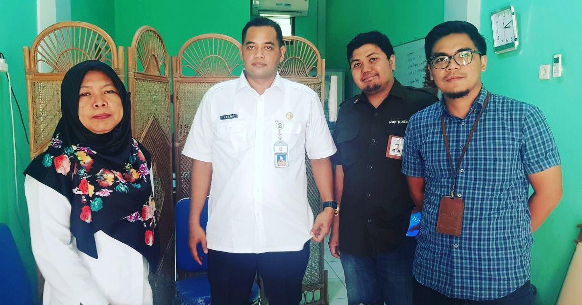 Pak Parno, Bu Ida dan Telkom PPDB Online